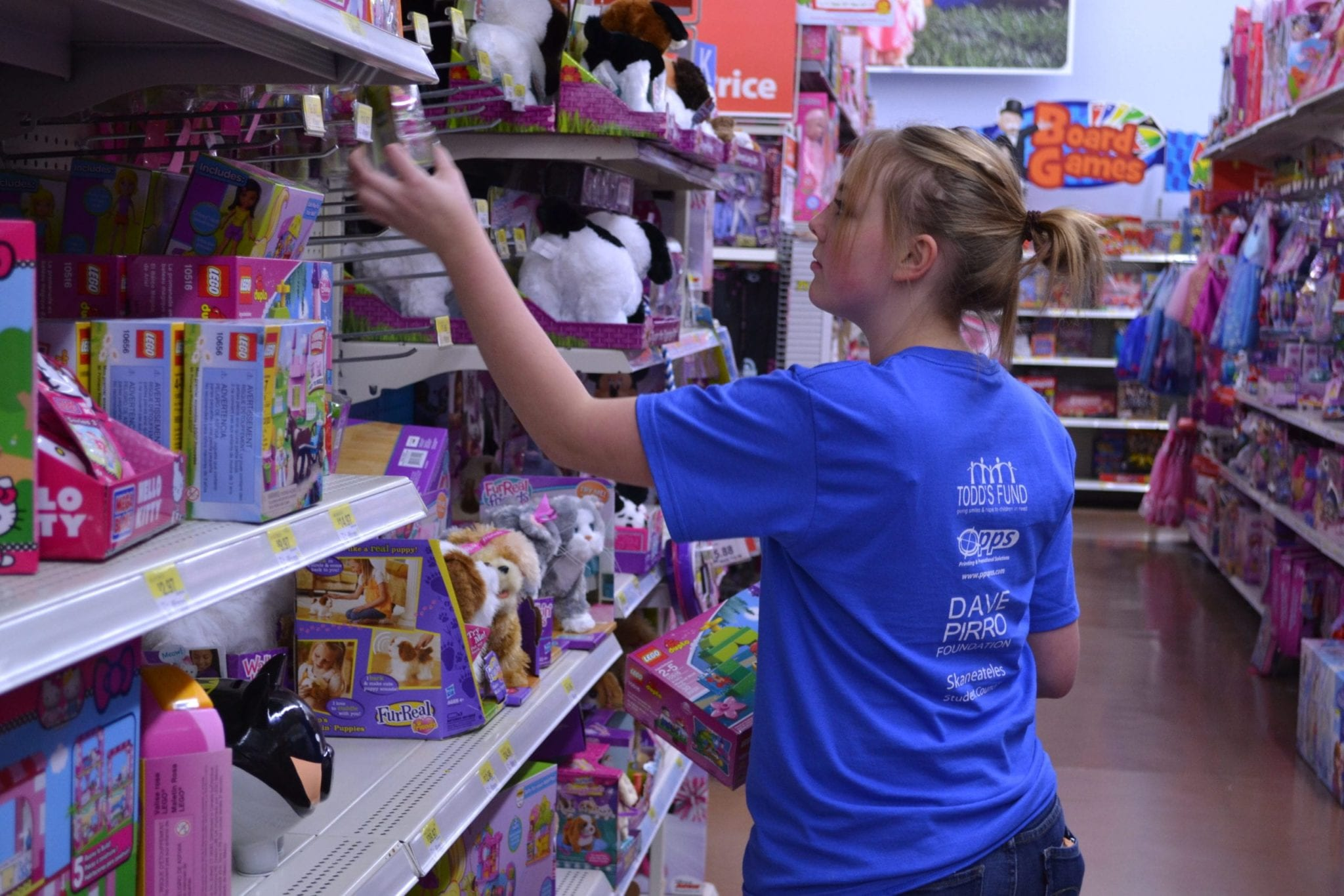 Skaneateles students spend $13k on gifts for charity