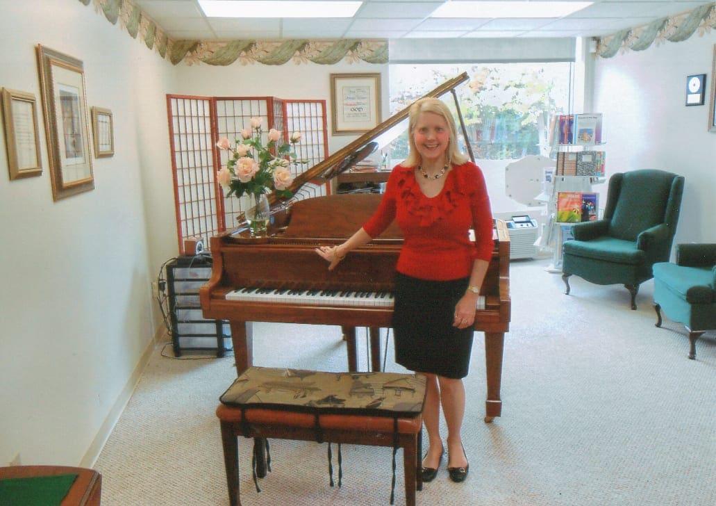 Stenuf Music Studio offers private piano, voice lessons
