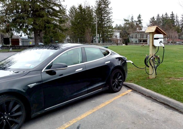 Electric car chargers installed in Lakeland Park