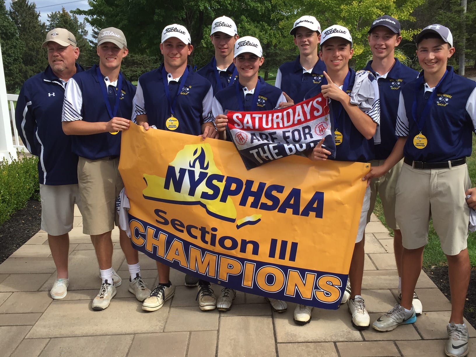 West Genny are sectional golf Class AA champs