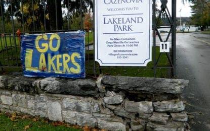 Driver loses front wheel, hits Lakeland Park wall