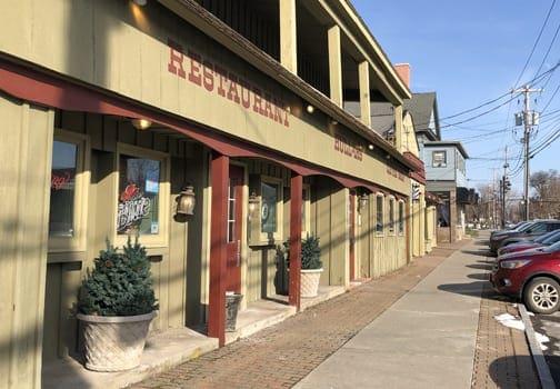 Hullar's restaurant closing in Fayetteville