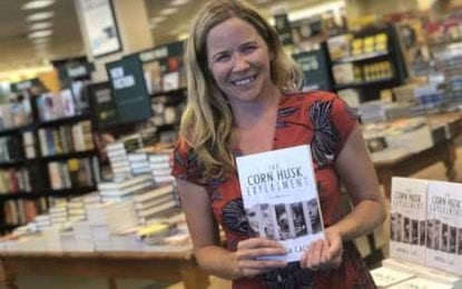 SU alum, author signs books at DeWitt Barnes & Noble