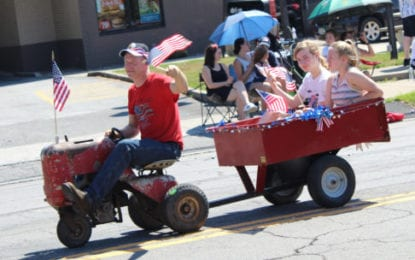 Manlius braves the heat for Fourth of July parade
