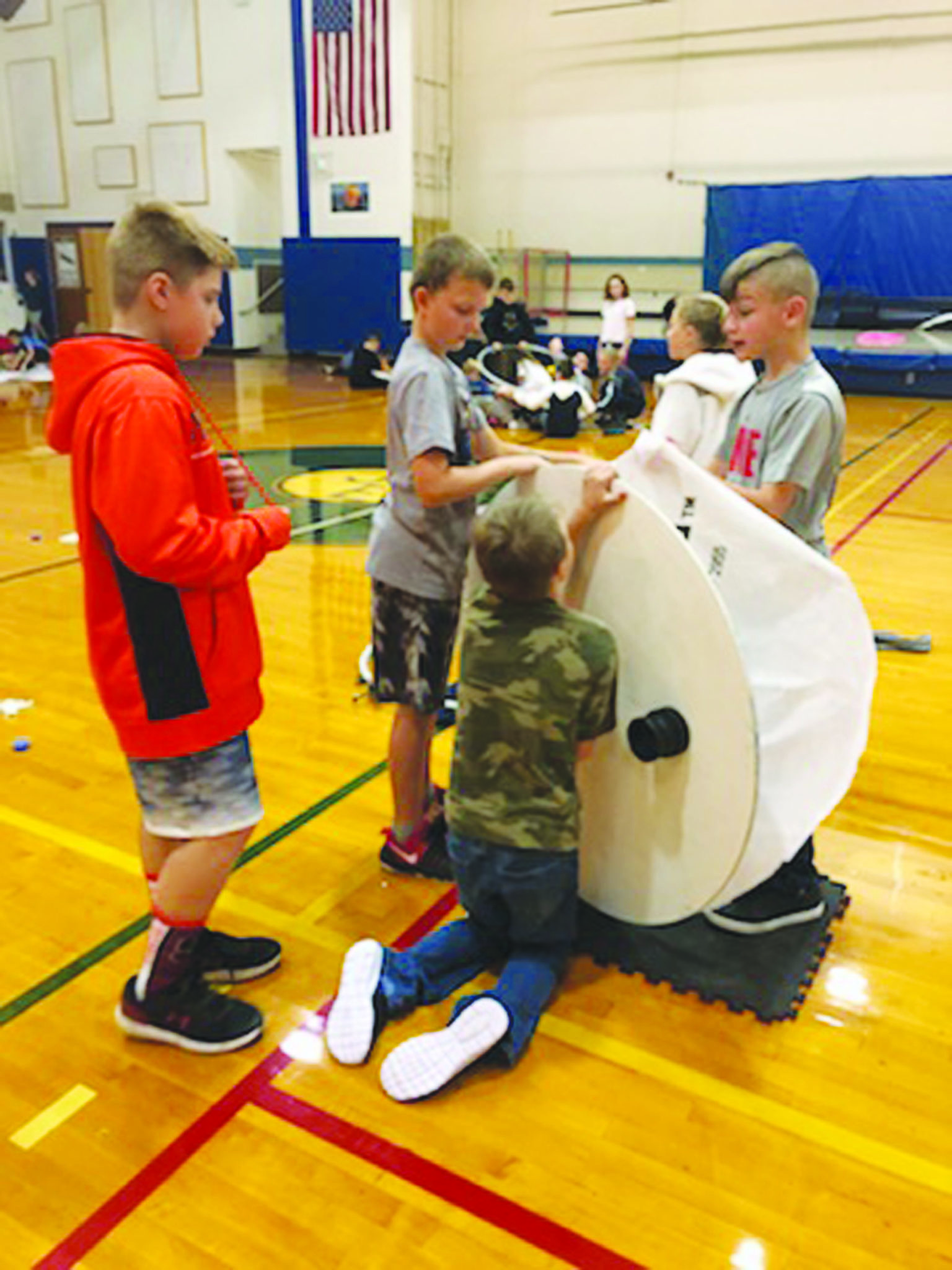 JE students build hover craft
