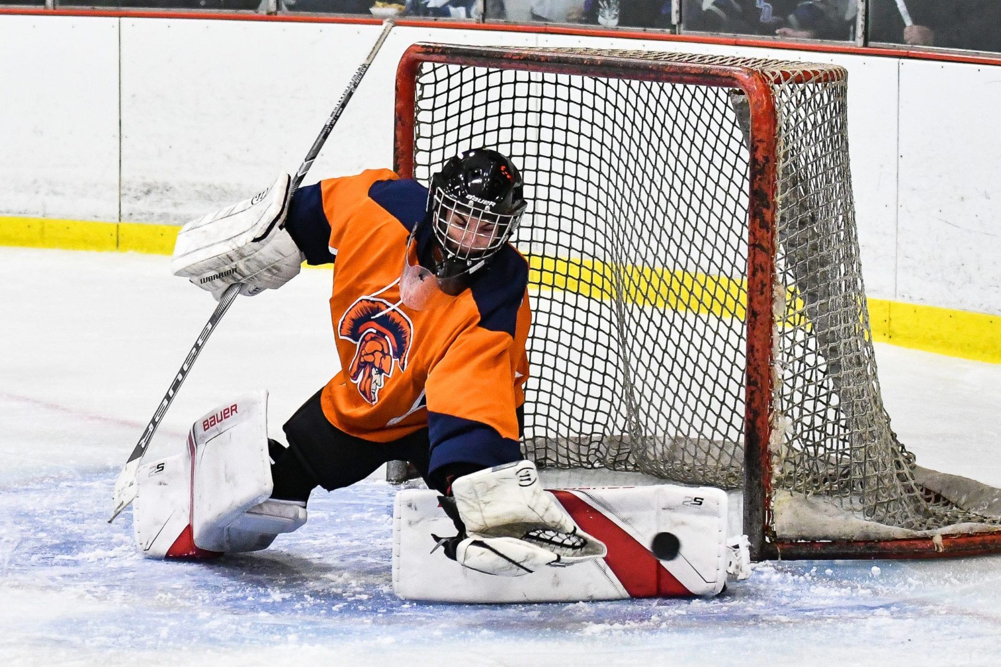Liverpool, C-NS ice hockey take defeats